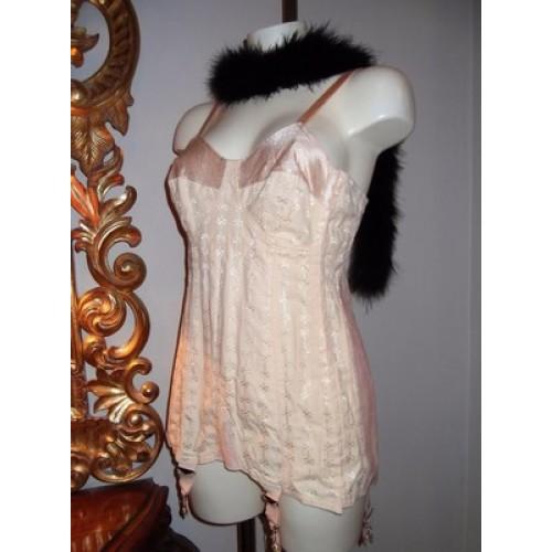 2019 real le dernier charme de coût Lingerie rétro Corset Vintage SEXY PIN UP CLOTHING Gaine soutien gorge et  porte jarretelle 1950